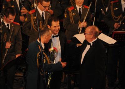 En Moscú con la banda del Ministerio de Defensa y el compositor Gennadi Chernov (2012)